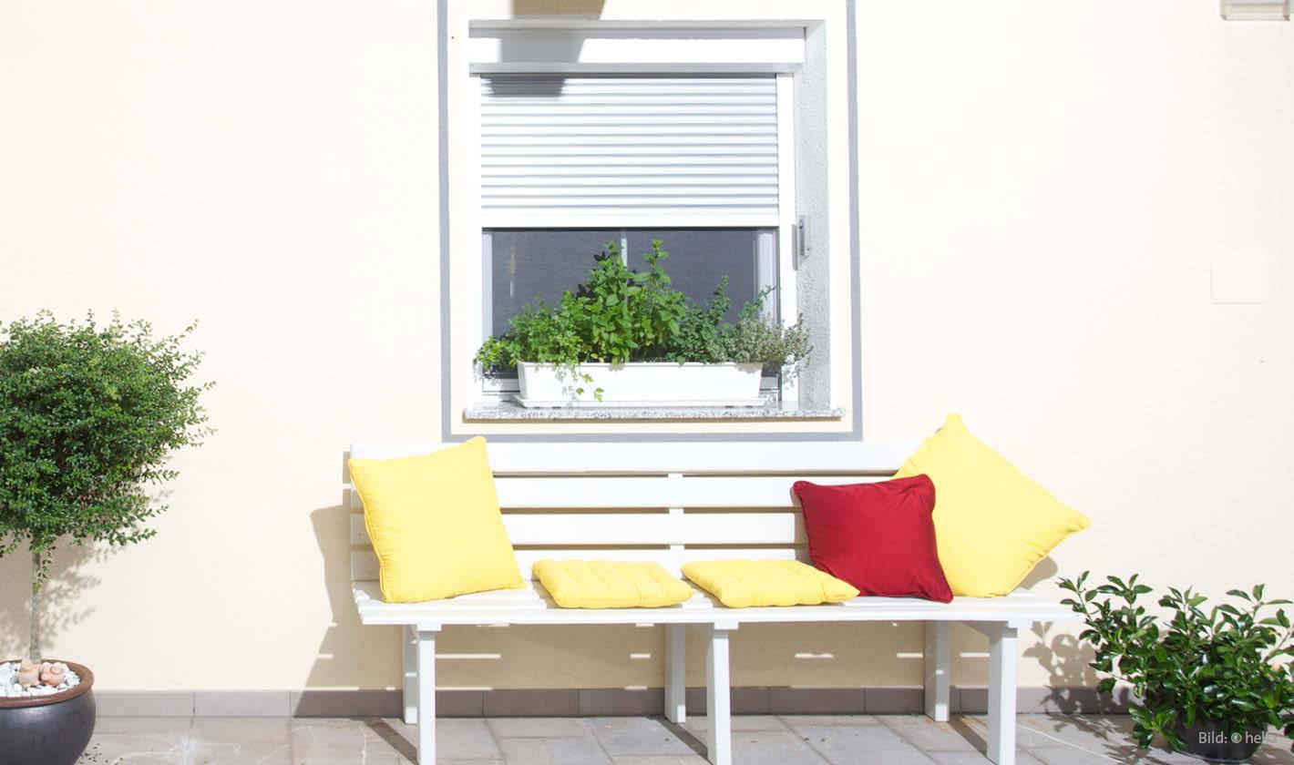 schr grollladen f r schr ge fenster. Black Bedroom Furniture Sets. Home Design Ideas